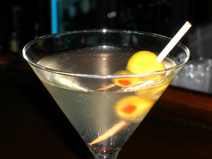 Dirty Martini | MixnSip.com