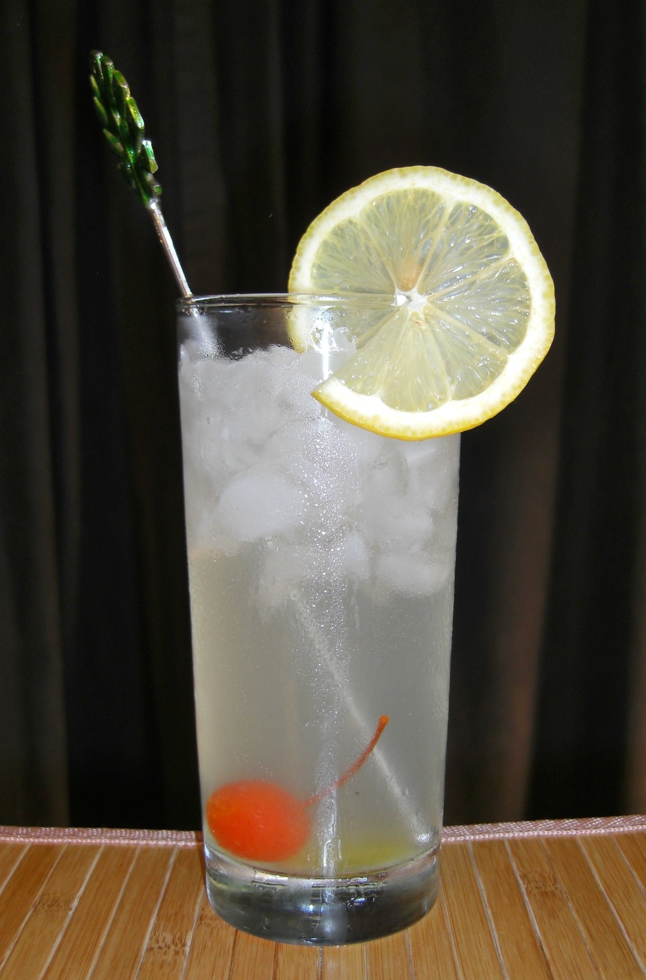 Tom Collins | MixnSip.com