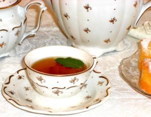 Sensibly Chic Sweet Peach Tea