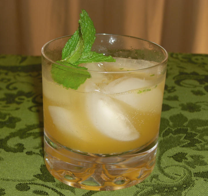 SKINNY Apricot Fission Cocktail
