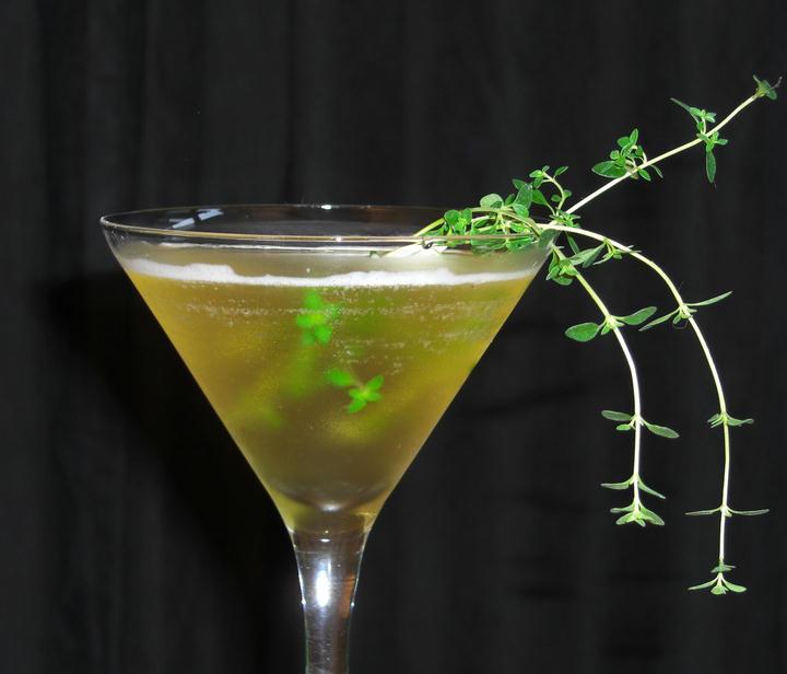 SKINNY Green Tea Martini